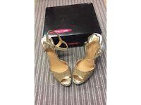 Moda in Pelle 'Zurina' gold sandals