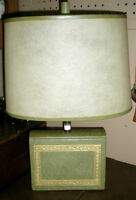 Attractive Table Lamp for the Bookworm