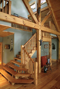ESCALIER EN PIN MASSIF  -  SOLID PINE STAIRCASE