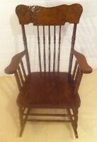 Chaise ber ante antiques acheter et vendre dans rimouski for Chaise bercante antique