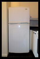 Réfrigérateur Blanc Whirlpool comme neuf.