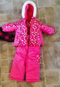 Girls snow suit, coat and snow pants  Kitchener / Waterloo Kitchener Area image 1