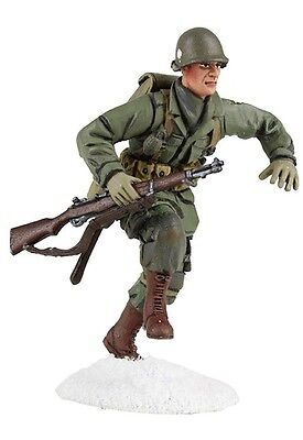 BRITAINS WORLD WAR 2 ALLIES 25045 U.S. 101ST AIRBORNE RUNNING WITH M1 MIB
