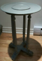 Plant Stand  /  Table