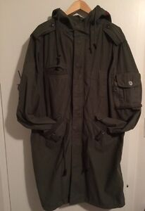 "Men's Gap ""Red"" Green Long Coat Size Large  London Ontario image 1"