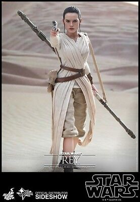 Hot Toys Star Wars Rey 1/6 scale figure