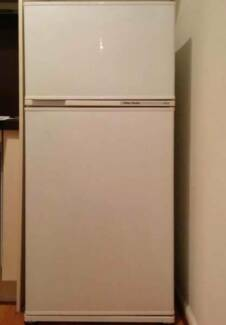 excellent 412L FisherPaykel FRIDGE FREEZER CAN DELIVERY Box Hill Whitehorse Area Preview