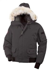 CANADA GOOSE BOMBER MENS SIZE SMALL LIKE NEW