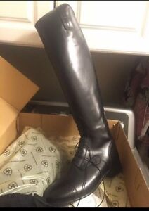 Ariat size 10 field boots
