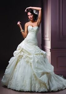 maggie sottero sabelle grown and veil  London Ontario image 1