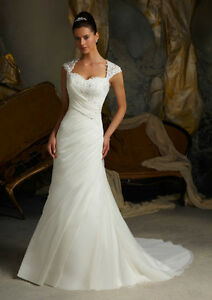 Mori Lee 5103 Wedding Dress Size 4 $450 OBO