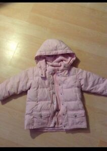 baby GAP girl pink down filled jacket (size 4T)