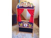 Melissa & Doug Deluxe Puppet Time Theatre Wooden Toy