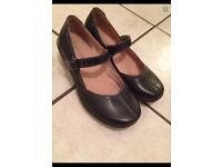 Caravelle leather low wedge black shoes