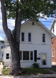 86 Main St. Kingston. -One Bedroom available Dec 1 $825