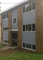 AVAIL. IMMED., PRIME LOCATION, HEAT,ELECTRICITY, PARK. INCLUDED
