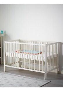 Baby Crib + Mattress (non smoke/no pet)