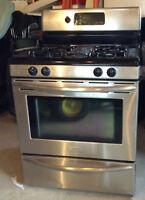 cuisiniere au gaz cuisini re et four dans qu bec. Black Bedroom Furniture Sets. Home Design Ideas