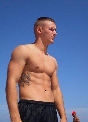 Shirtless Male Muscular Beach Boy Pumped Pecs Abs Tat On Side PHOTO 4X6 N161