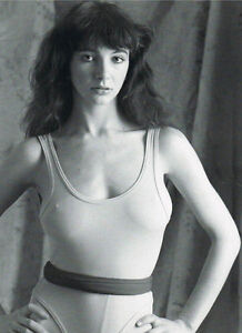 Kate Bush 10x 8 UNSIGNED photo - P818 - Don't Give Up & Moments of Pleasure