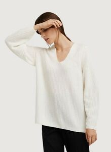 Kit and Ace 100% cashmere sweater (from founders of lululemon)