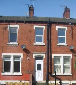 2 bedroom house in 25 Longroyd Grove