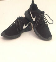 9.5 Nike Roshe One Black With Speckled Sole/ Worn 2 times