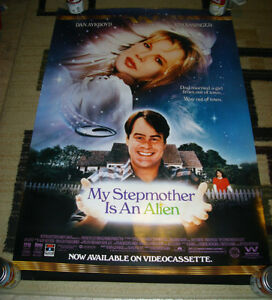 1989 MY STEPMOTHER IS AN ALIEN KIM BASINGER VIDEO POSTER NM