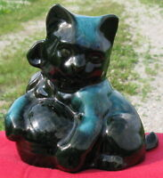 Vintage BLUE MOUNTAIN POTTERY Figurine - Cat with Yarn City of Montréal Greater Montréal Preview
