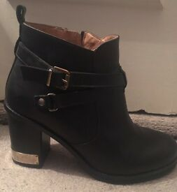 Real leather boots in black, size 6 (39)