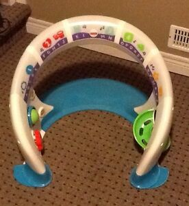 FISHER PRICE BRIGHT BEATS PLAY STATION