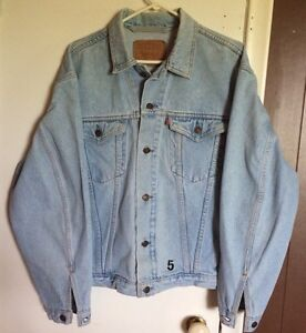 Levi's jean jacket Reduced Price
