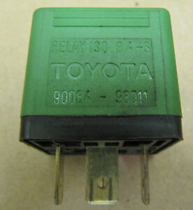 Various Toyota corolla parts (thermostate, air valve, relay...)