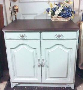 GORGEOUS Entrance Table/ Storage Dresser with 2 drawers