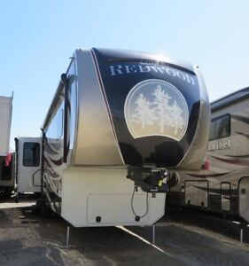 2014 REDWOOD 38RE Residential Fifth Wheel