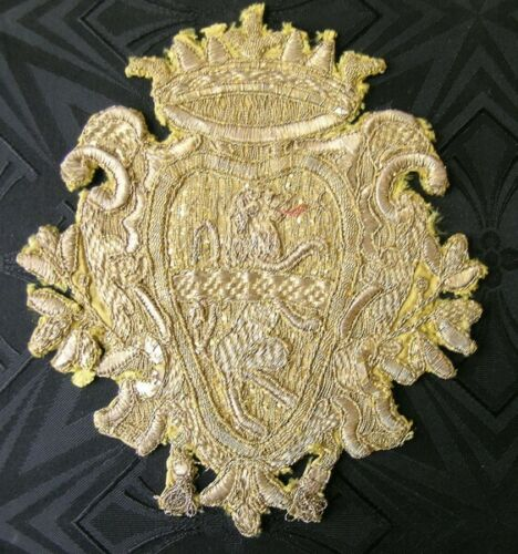 Antique gold tread brocade Coat of Arms with Lion Italy (pillow)