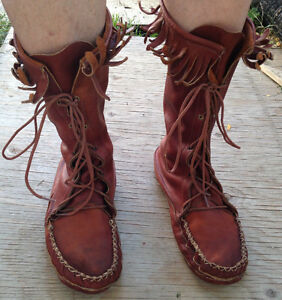 "MEN'S LACE UP MOOSEHIDE FRINGED 12"" MOCCASIN BOOTS IN CRESTON"