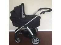 Mamas and papas sola with carrycot