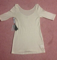 New with tags Aritzia top size M