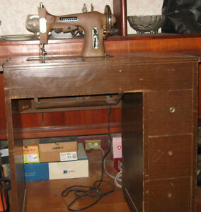 Antique Domestic Rotary sewing machine Peterborough Peterborough Area image 3