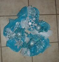 Winter blue/white mesh wreath