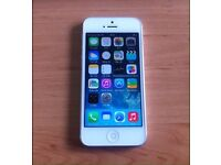 White *64GB* Boxed iPhone 5 Unlocked to all Networks Good Condition Can Deliver