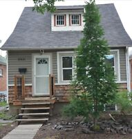 3 BEDROOM HOUSE CLOSE TO UNIVERSITY AND WHYTE AVE