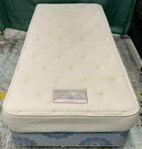 Good condition soft single bed mattress with soft base for sale