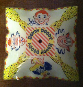 OFFERS? Vintage HOWDY DOODY 1950s Glass CEILING LIGHT SHADE