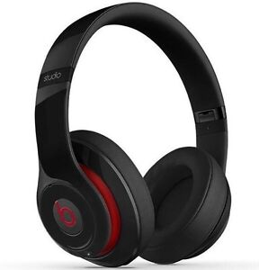 Beats Studio 2.0 **NEW in box!!  West Island Greater Montréal image 1