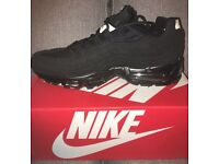 Pick now in Speke size 7 black 110's £40 trainers