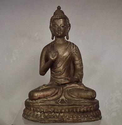 Antique Sino Tibetan Bronze Figure Of Buddha 18th – 19th Century Tibet