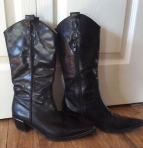 Leather Cowboy / Western Boots