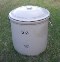 MEDALTA 20 GALLON CROCK